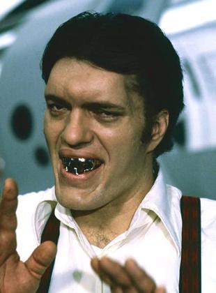 Richard Kiel als Beißer, 1977 & 1979