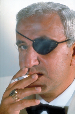 Adolfo Celi als Emilio Largo, 1965