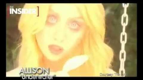 Allison Harvard - Underwater