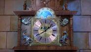 TheOldMuseumClock-Activating