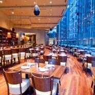 Restaurant-Crowne