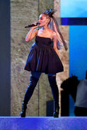 Ariana Grande 2018 Billboard Music Awards 1rYkf97aMcdl