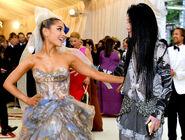 Ariana Grande arriving at the 2018 Met Gala (33)