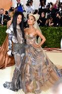 Ariana Grande arriving at the 2018 Met Gala (14)