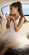 'Ari' by Ariana Grande - Debut Fragrance(10)