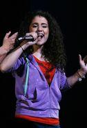 Ariana-performing-broadway-13