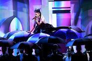 Ariana Grande 2018 Billboard Music Awards ft-9OwPm5WPl