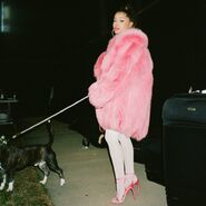 Ariana Grande - 7 Rings - Behind the scenes (1)