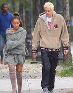 Ariana Grande and Pete Davidson in NY September 17 (6)