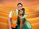 Ariana Grande and Jim Carrey - Kidding - Behind the scenes (2)