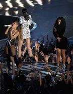 Performance of Bang Bang at MTV VMA 2014 (5)