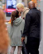 Ariana Grande and Pete Davidson in NY September 17 (2)