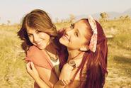 Ariana & Daniella
