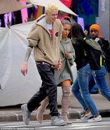 Ariana Grande and Pete Davidson in NY September 17 (3)