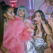 Ariana Grande - 7 Rings - Behind the scenes (7)