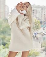 Ariana Grande photoshoot for ELLE Magazine 2018 (7)