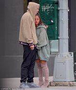 Ariana Grande and Pete Davidson in NY September 17 (4)