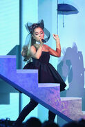 Ariana Grande 2018 Billboard Music Awards AmZ-OBGtwARl