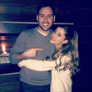 Ariana Grande & Scooter Braun.jpg