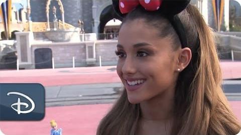 Ariana Grande celelbra il suo 21° compleanno a Walt Disney World