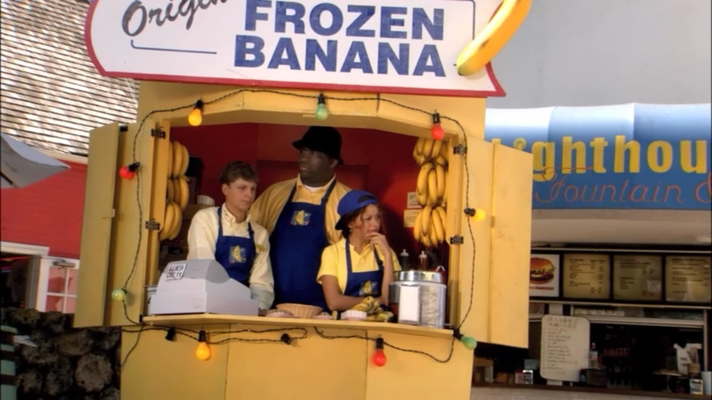 1x02 Top Banana (34).png