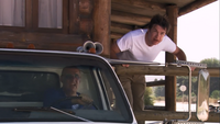 3x01 The Cabin Show (77)