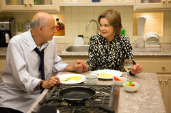 4x02 - Lucille and George Bluth 02.jpg