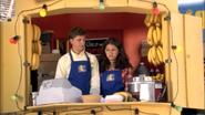 1x02 Top Banana (11)
