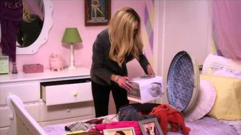 Season 4 Clip - Lindsay's Suitcase