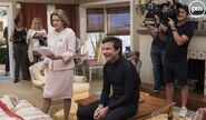 5x00 - Jessica Walter and Jason Bateman 01
