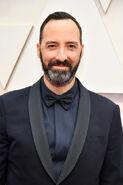 2020 Academy Awards - Tony Hale 01