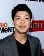 2013 Netflix S4 Premiere - Justin Lee 1