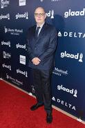 2017 GLAAD Media Awards - Jeffrey Tambor 02
