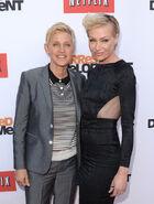 2013 Netflix S4 Premiere - Portia and Ellen 02