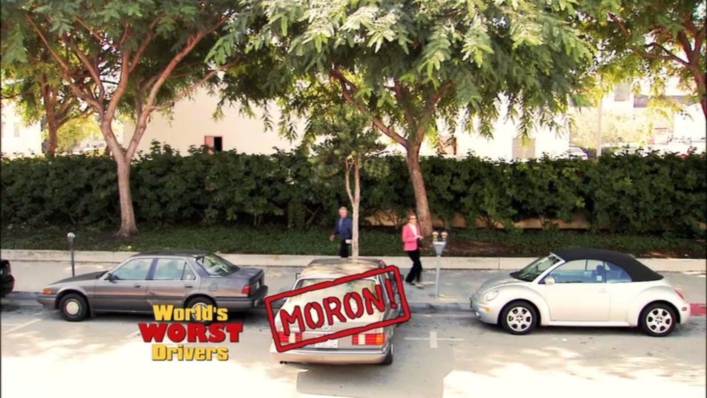 1x08 My Mother the Car (09).png