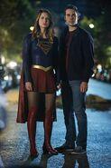 5.Supergirl Changing Supergirl & Mon-El