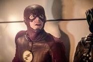 28.The Flash Invasion The Flash & Green Arrow