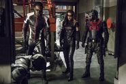 18.Thanksgiving Arrow Green Diggle, Mr. Terrific, Black Canary (II) et Wild Dog
