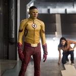 8.The Flash Dead or Alive Cisco et Kid Flash.jpg