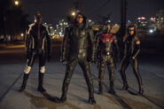 17.Arrow next of kin Mr. Terrific, Green Arrow, Wild Dog et Black Canary II