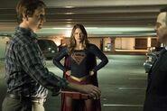 13.Supergirl Changing Supergirl