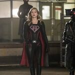 16.Crisis on Earth-X, Part 2 Arrow SS Supergirl.jpg