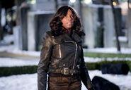13.Arrow The Sin-Eater Lady Cop
