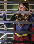 3.Supergirl The Darkest Place Mon-el