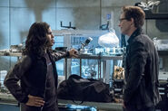 15.The Flash Elongated Journey into Night Cisco et wells