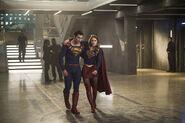 19.supergirl-adventure of supergirl-superman et supergirl