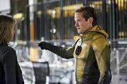 2.the-reverse-flash-returns-episode-stills-eobard