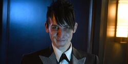 Robin-Lord-Taylor-as-Penguin-in-Gotham-Season-2