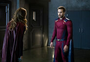 4.Supergirl-In Search Of Lost Time-Supergirl et Mon-El