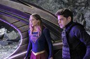 7.Supergirl supergirl-lives Supergirl & Winn